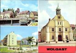 Postcard Wolgast in Mecklenburg Vorpommern, Am Hafen, Straße der Befreiung, Rathaus
