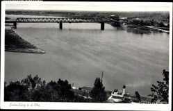 Postcard Lauenburg an der Elbe, Elbdampfer, Blick zur Brücke