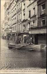 Postcard Paris Frankreich, Inonde 28 Janvier 1910, Sauvetage a la Place Maubert