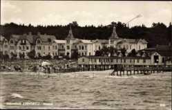 Postcard Ostseebad Zinnowitz, Blick vom Wasser auf Strand mit Häusern