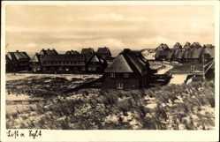 Postcard List auf Sylt, Kleine Häuser in Nähe der Dünen