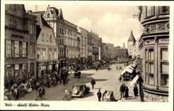 Postcard Wels Oberösterreich, Adolf Hitler Platz, Straßenpartie, Verkehr, Turm