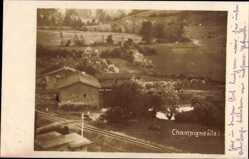 Foto Ak Champigneulle Ardennes, Bahnschienen, Gebäude, Felder