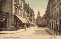 Postcard Yverdon les Bains Kt. Waadt Schweiz, Rue du Lac, Geschäfte, Kirchturm