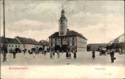 Postcard Schüttenhofen Reg. Pilsen, Blick auf den Ringplatz mit Rathaus, Brunnen