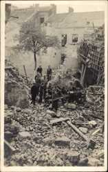 Foto Ak Ostende Westflandern, Kriegszerstörungen, Ruinen, Kinder