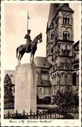 Postcard Bonn in Nordrhein Westfalen, Husarendenkmal, Kirchtürme