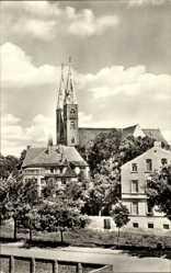 Postcard Stendal in Sachsen Anhalt, Blick zum Dom, Häuser, Straßenpartie