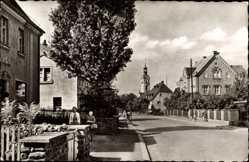 Postcard Niederwiesa Kreis Flöha, Blick in die Dresdner Straße, Kirchturm
