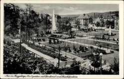 Postcard Aue im Erzgebirge Sachsen, Stadtgarten, Denkmal, Leuchtfontäne