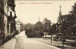 Postcard Freiberg im Kreis Mittelsachsen, Hornstraße mit Blick auf den Hornbrunnen