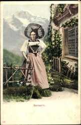 Ak Frau in Berner Volkstracht, Gebirge, Bernerin