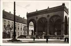 Postcard München Bayern, Blick auf die Feldherrenhalle mit Residenz
