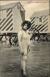 Postcard Ostende Westflandern, Les Bains de Mer, Frau in Badeanzug, Badewagen