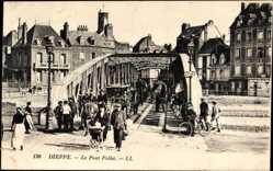 Ak Dieppe Seine Maritime, Le Pont Pollet, Passanten, Kinderwagen, Brücke
