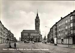 Postcard Dessau in Sachsen Anhalt, Rathaus in der Straße der Dt. Sowjet. Freundschaft