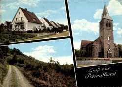 Postcard Schnathorst Hüllhorst, Straßenpartie mit Blick auf Kirche, Wohnhäuser, Weg