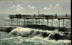 Ak Norderney in Ostfriesland, Steg bei Sturm, Wellenschlag