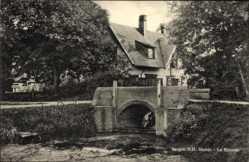 Postcard Bergen Nordholland Niederlande, Sluisje, la Kluzeto, Schleuse, Haus