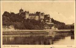 Postcard Bernburg an der Saale Salzlandkreis, Blick vom Wasser zum Schloss