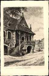 Künstler Ak Goslar in Niedersachsen, Straßenpartie mit Blick auf Rathaustreppe