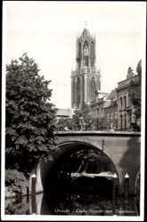 Postcard Utrecht Niederlande, Oude Gracht met Domtoren