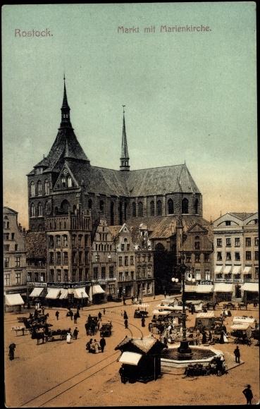 ansichtskarte postkarte rostock markt mit marienkirche handelsst nde. Black Bedroom Furniture Sets. Home Design Ideas