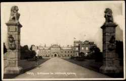 Postcard The Dukeries Nottinghamshire East Midlands, Entrance to Welbeck abbey, Portal
