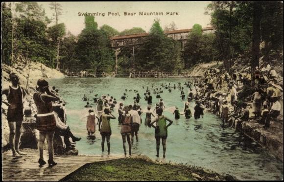 Postcard New York Blick Auf Den Swimming Pool Im Bear