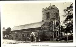 Postcard Northampton East Midlands, St. Peters Church, Ansicht der Kirche