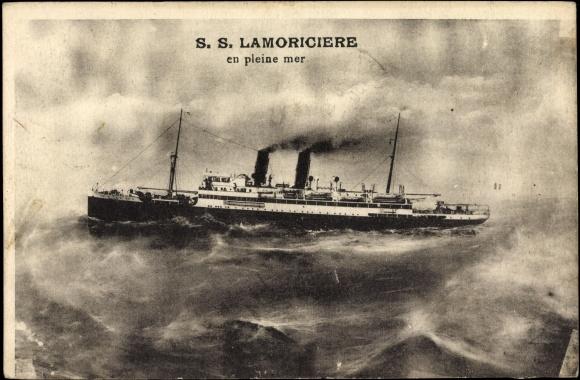 Carte postale Dampfer S.S. Lamoricière en pleine mer, French Line