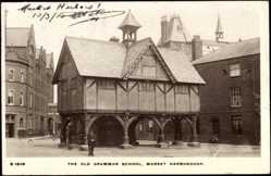 Postcard Harborough England East Midlands, The old Grammar School, Market