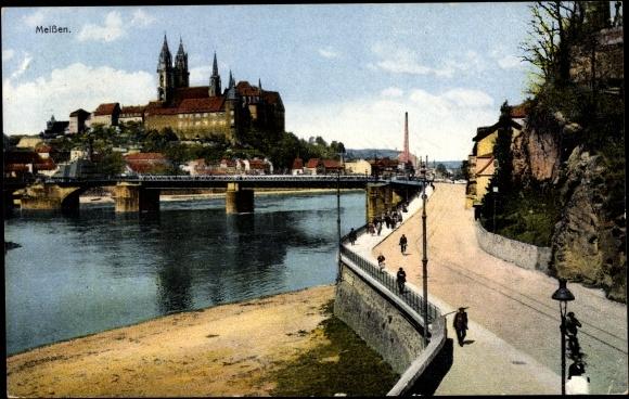 Ansichtskarte / Postkarte Meißen, Burgberg mit Albrechtsburg und Dom, Elbpartie, Brücke