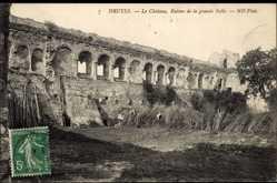 Cp Druyes Indre et Loire, vue générale du Château, Ruines de la grande Salle