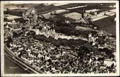 Cp Chinon Indre et Loire, vue générale de la ville, Fliegeraufnahme