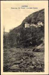 Postcard Ohrid Mazedonien, Blick auf ein Kloster, Felsen, Flusslauf