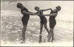 Ak A la mer, Plaisirs du Bain, Frauen in Badekleidern im Wasser
