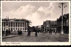 Ak Poznań Posen, Wilhelmplatz, Passanten, Verkehr, Gebäude