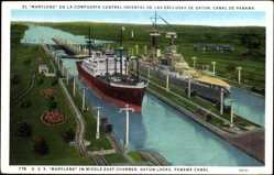 Postcard Panama Canal, U.S.S. Maryland, Middle East Chamber, Gatun Locks