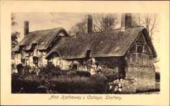 Postcard Shottery West Midlands England, Ann Hathaway's Cottage, Reetdach