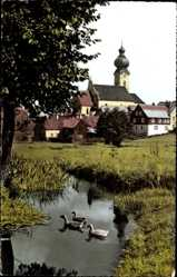 Postcard Eslarn, Blick ins Loisbachtal mit Kirchturm, Entenfamilie