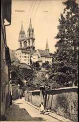 Ansichtskarte / Postkarte Meißen, Straßenpartie mit Blick auf die Domtürme