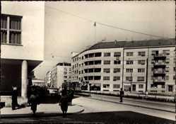 Postcard Zagreb Kroatien, Ul Socijalisticke revolucije, Straßenpartie, Straßenbahn