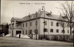 Postcard Cetinje Montenegro, Palais, Straßenpartie mit Blick auf den Palast