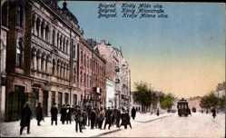 Postcard Belgrad Serbien, König Milanstraße, Straßenbahn, Passanten