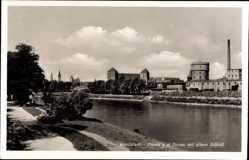 Postcard Ingolstadt an der Donau Oberbayern, Flusspartie mit altem Schloss