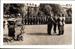 Foto Ak Hanau im Main Kinzig Kreis Hessen, Kaserne, Wehrmacht, Parade