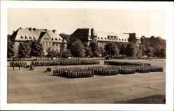 Foto Ak Hanau im Main Kinzig Kreis Hessen, Kaserne, Wehrmachtsoldaten