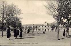 Ak Sétif Algerien, Caserne des Zouaves, Innenhof der Kaserne, Infanterie