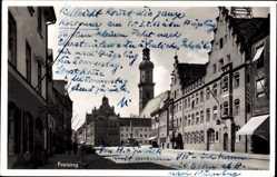 Postcard Freising in Oberbayern, Der Marktplatz mit Rathaus und Kirchturm